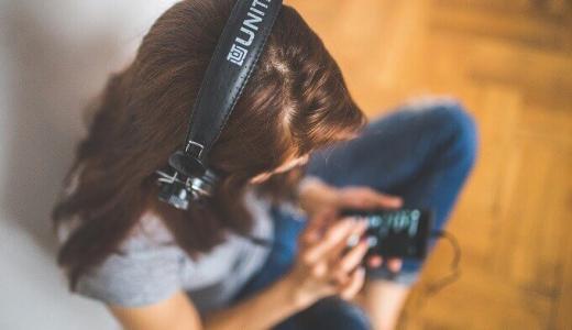 スマホからノイズ・雑音・異音がする原因は?6つの対処法を試そう!