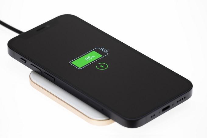 テザリング用スマホは大容量バッテリーが必要